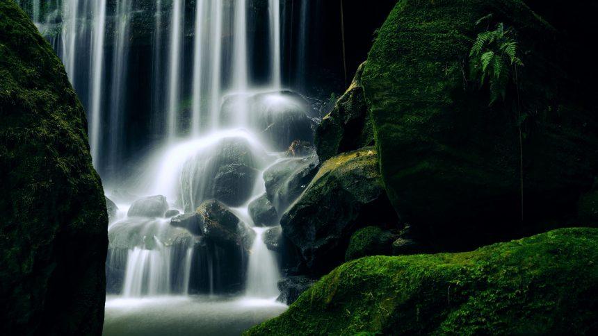 Waterfall laptop wallpaper