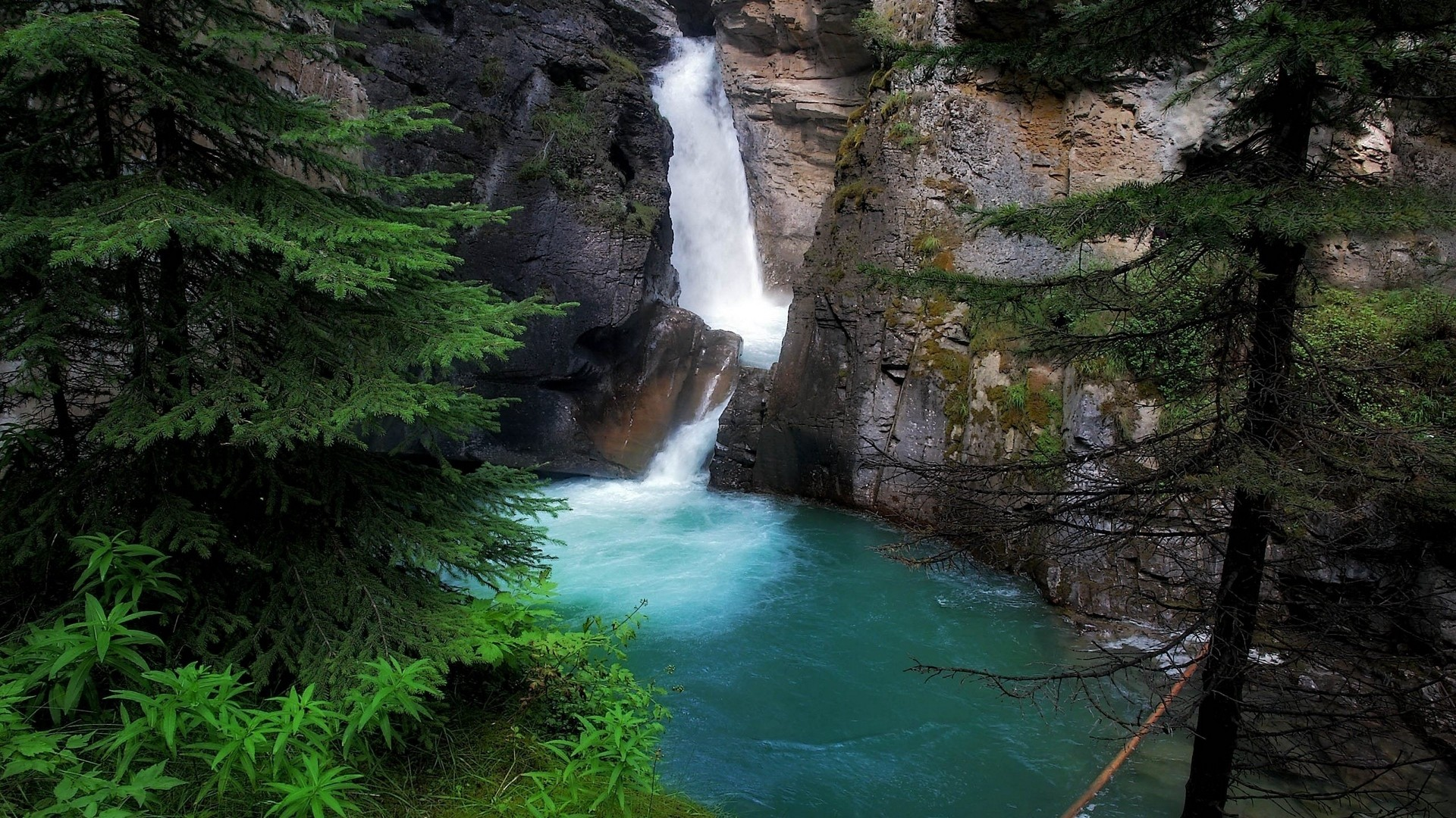 Waterfall desktop background free