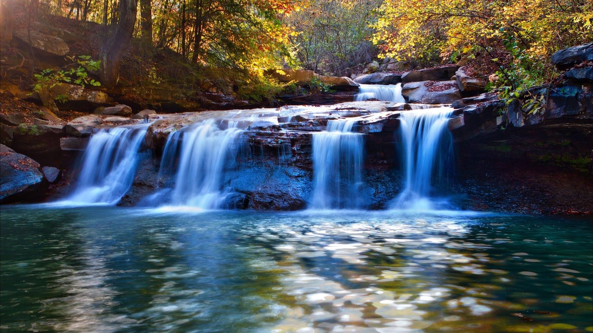 Waterfall free desktop background