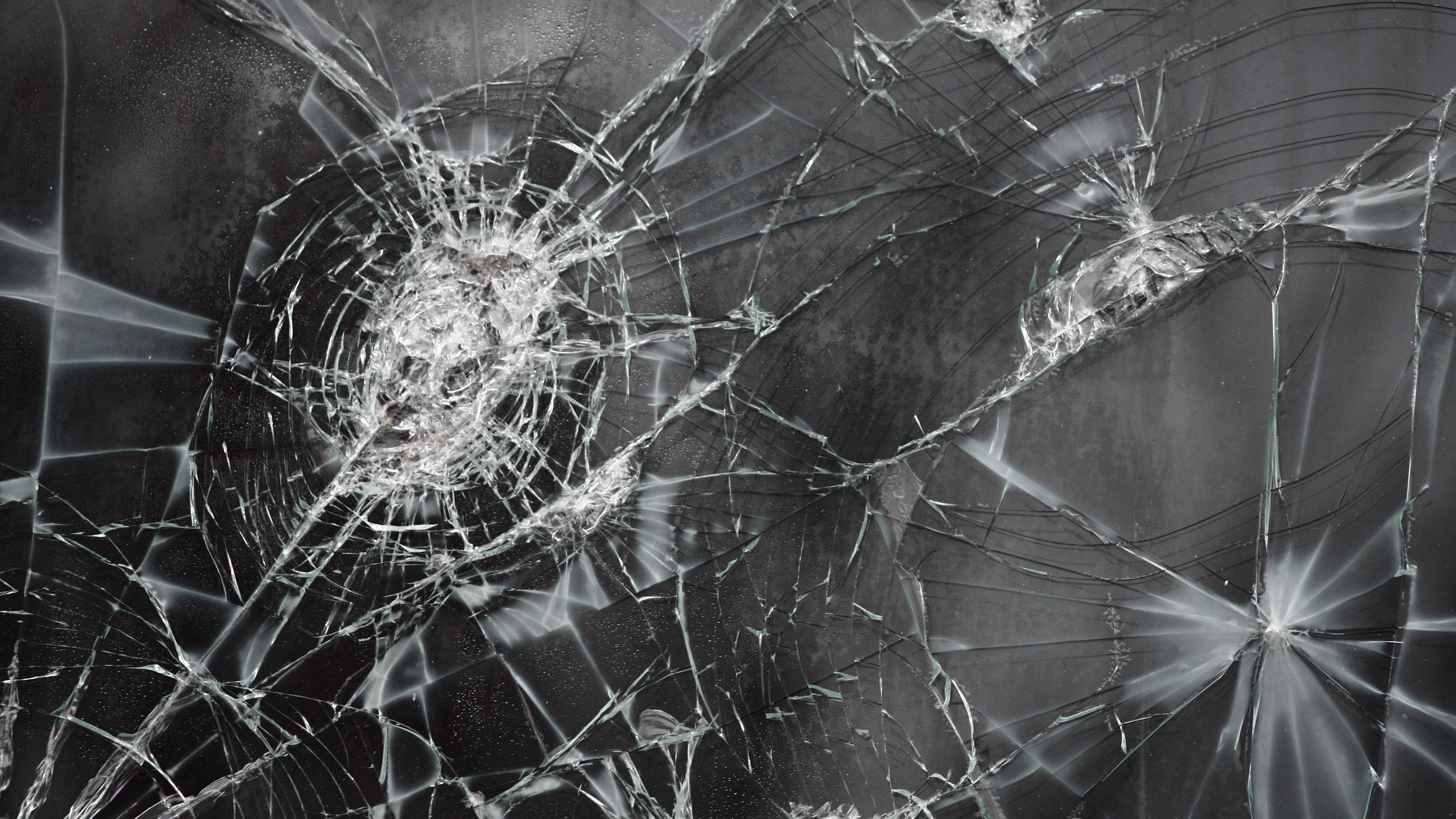 Broken Screen 4k Wallpaper Image