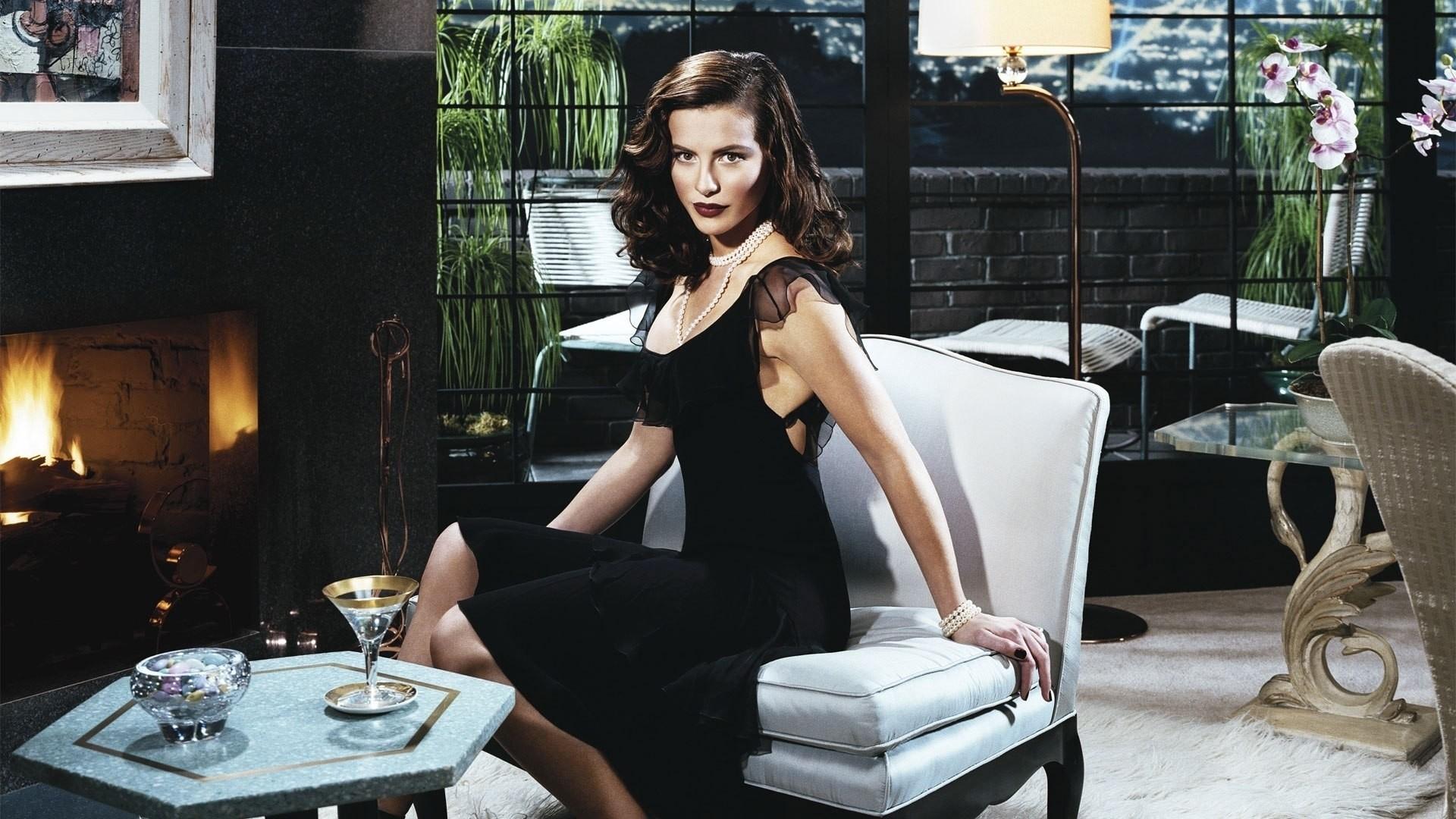 Kate Beckinsale Wallpaper HD