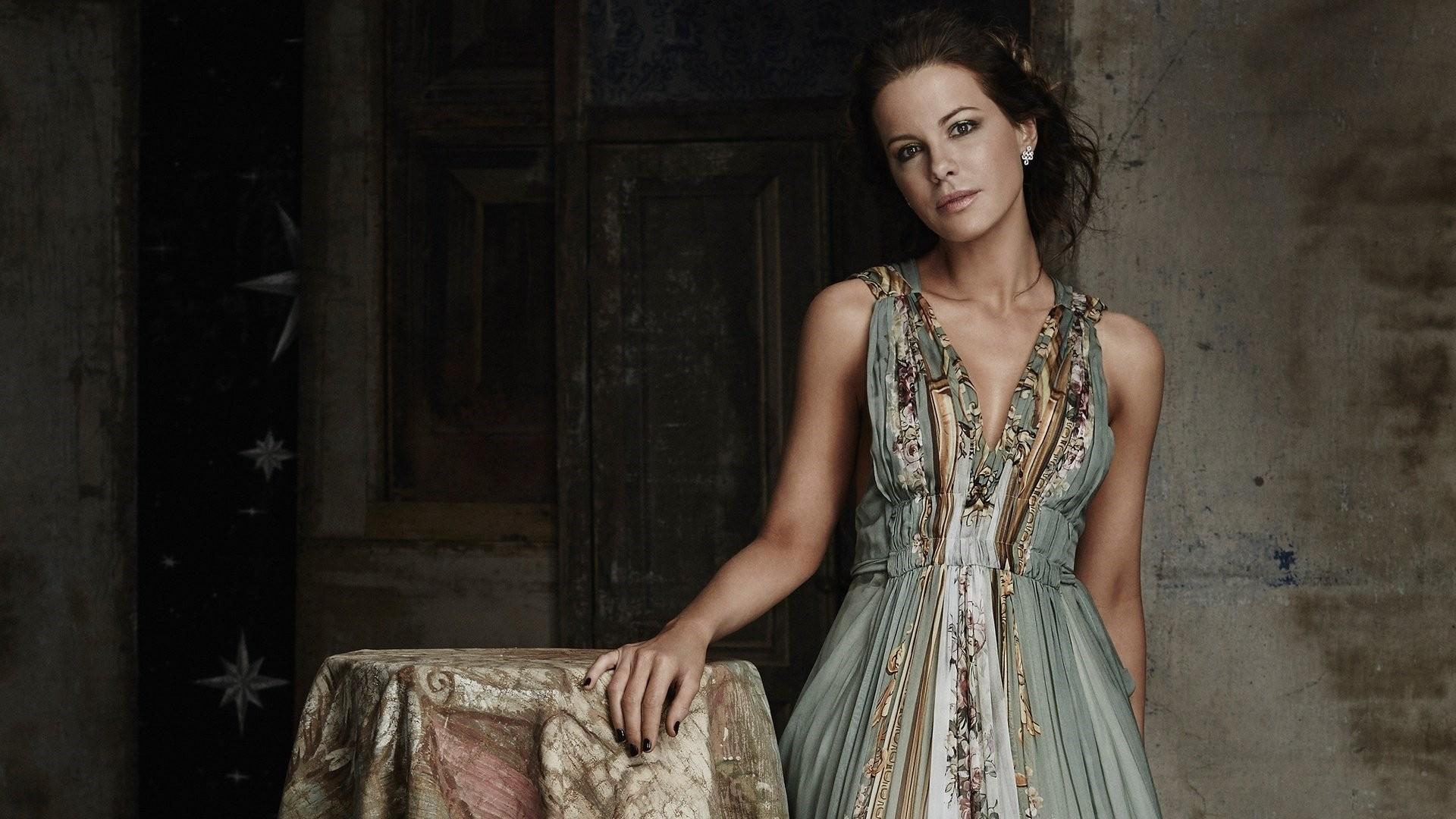 Kate Beckinsale Wallpaper Image