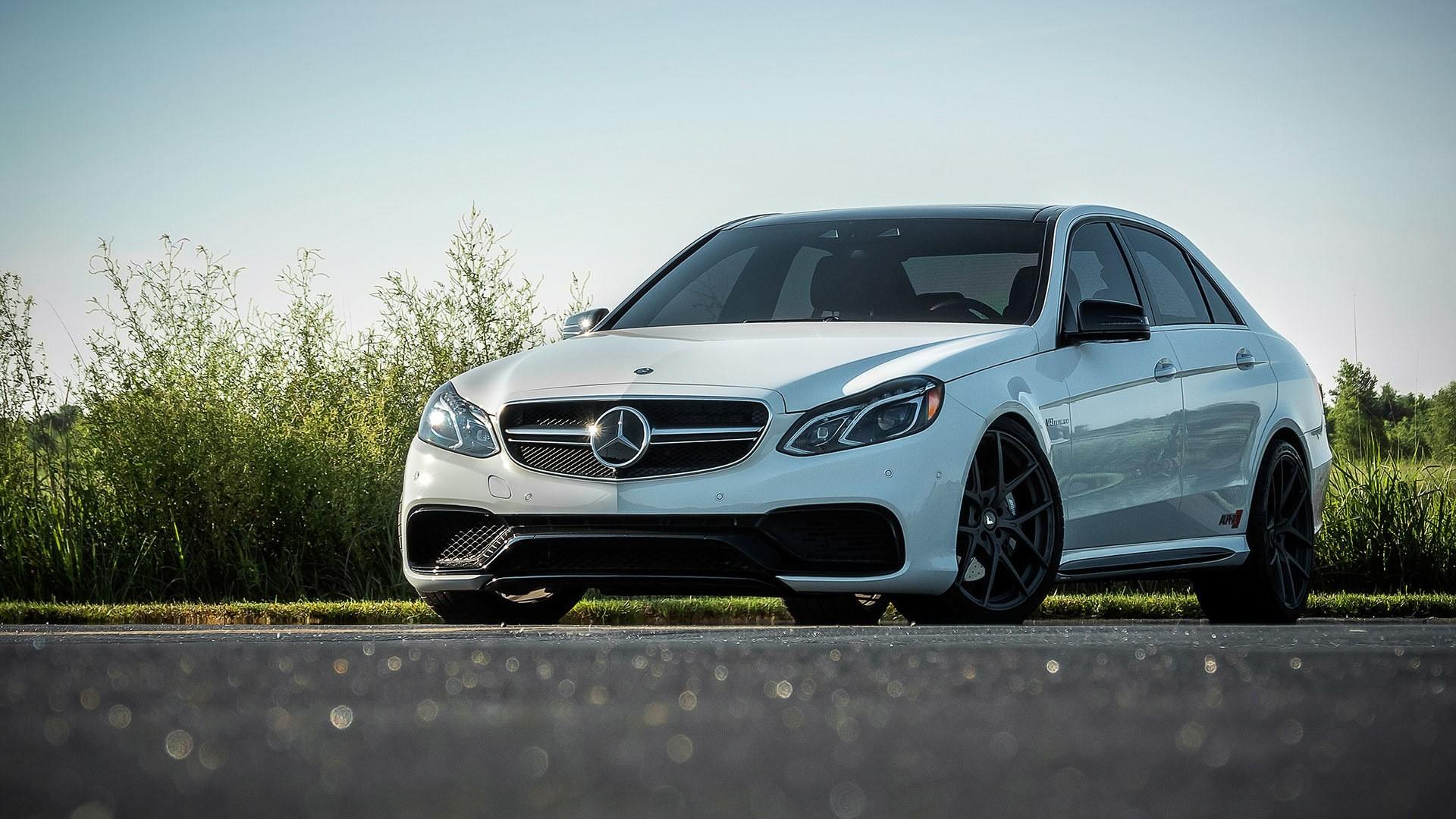 Mercedes Wallpaper Image