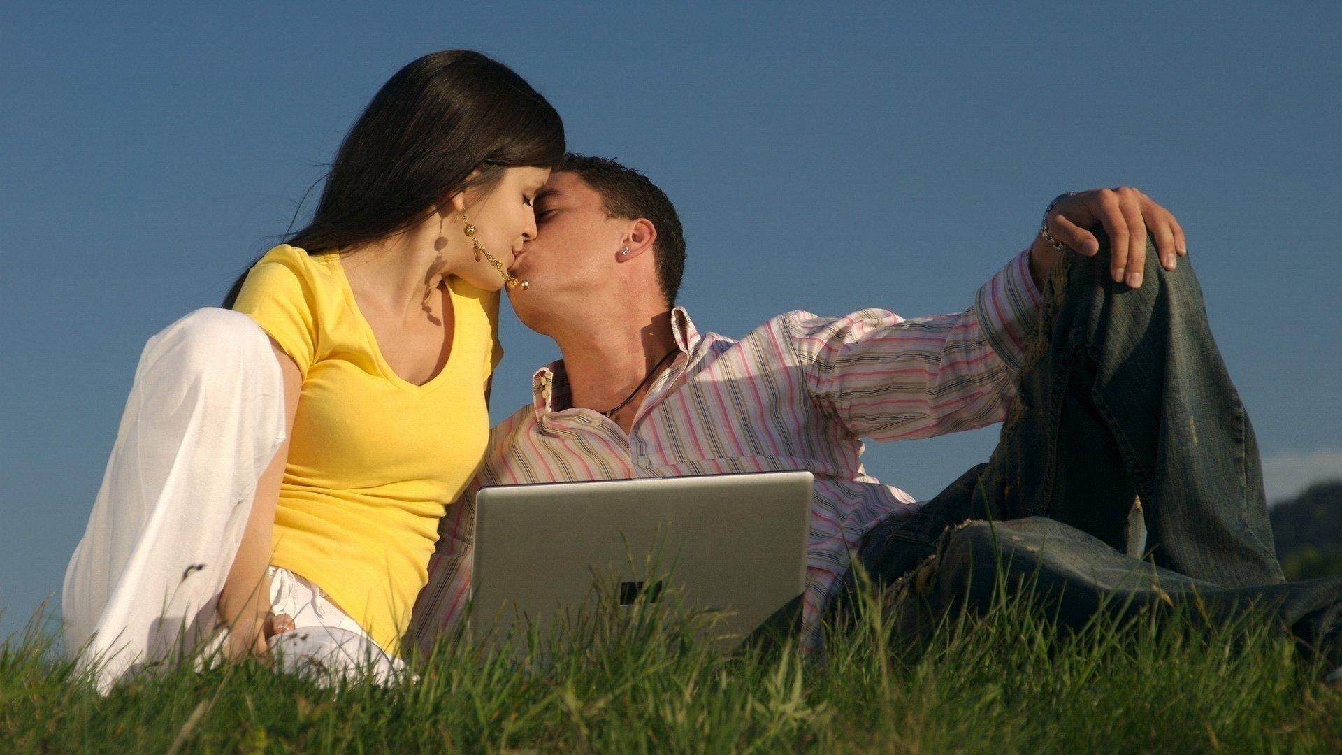 Romantic Love Wallpaper Free Download