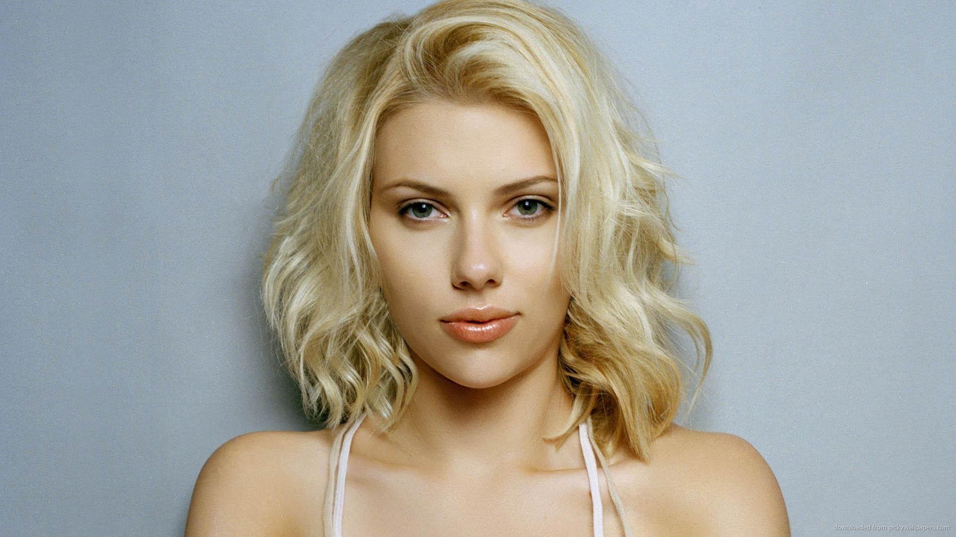 Scarlett Johansson free hd wallpaper