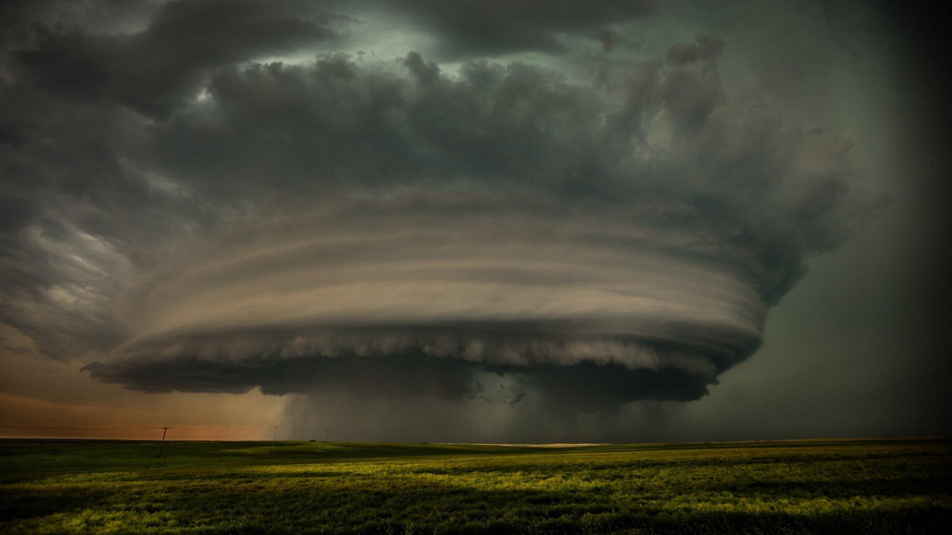 Tornado Wallpaper Image