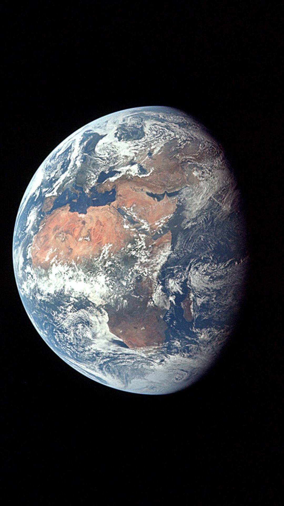 Planet iPhone 7 wallpaper
