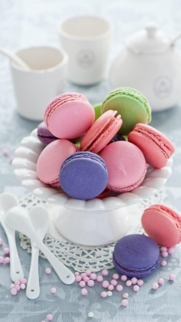 Macaroons wallpaper for android