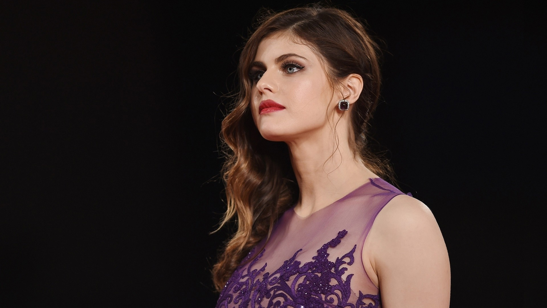 Alexandra Daddario free download wallpaper