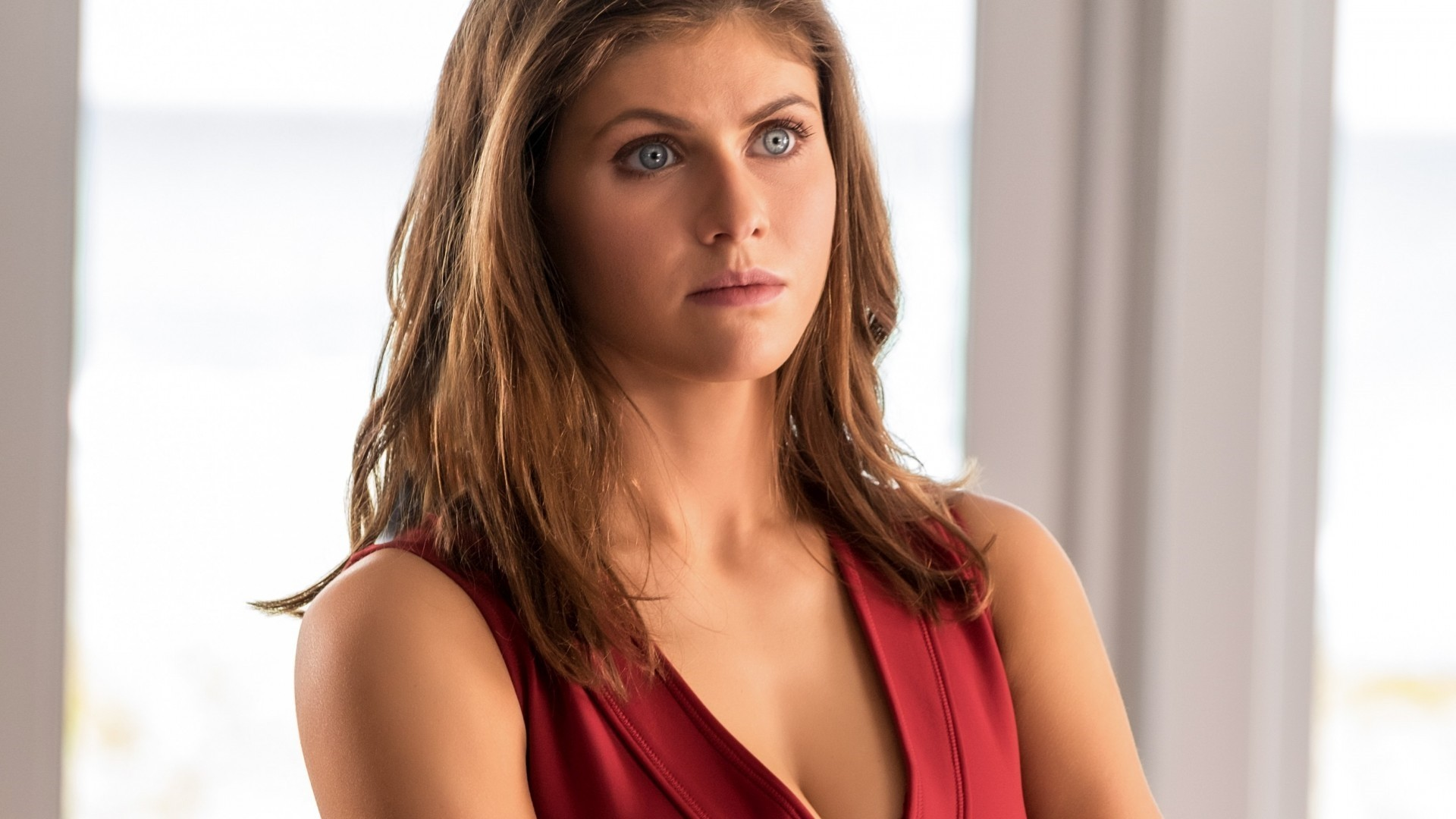 Alexandra Daddario Background Wallpaper HD