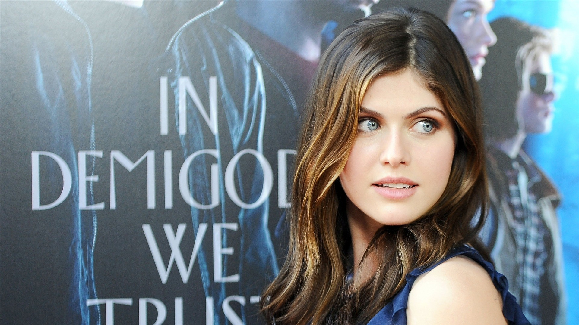 Alexandra Daddario vertical wallpaper hd