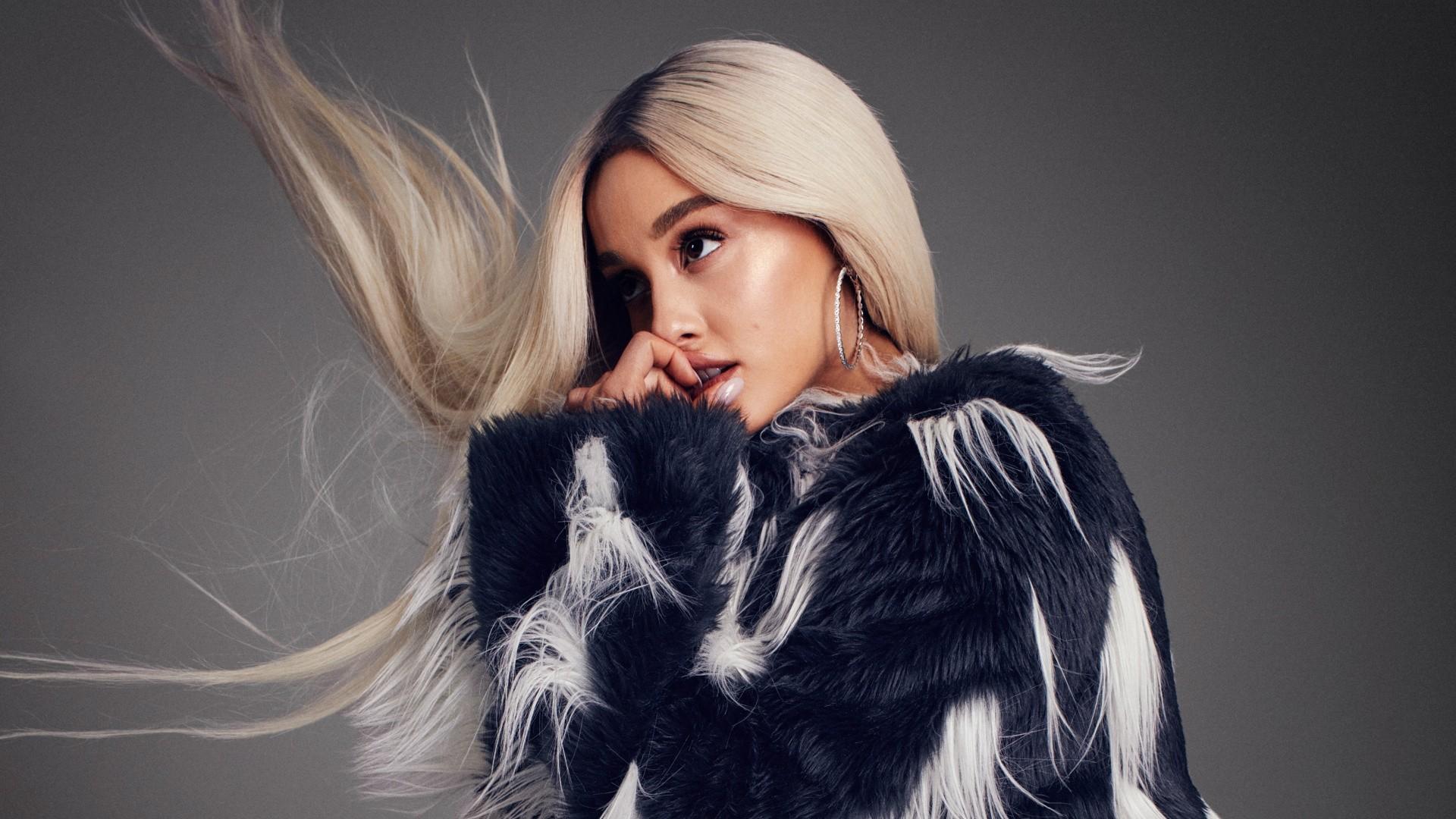 Ariana Grande Cool HD Wallpaper