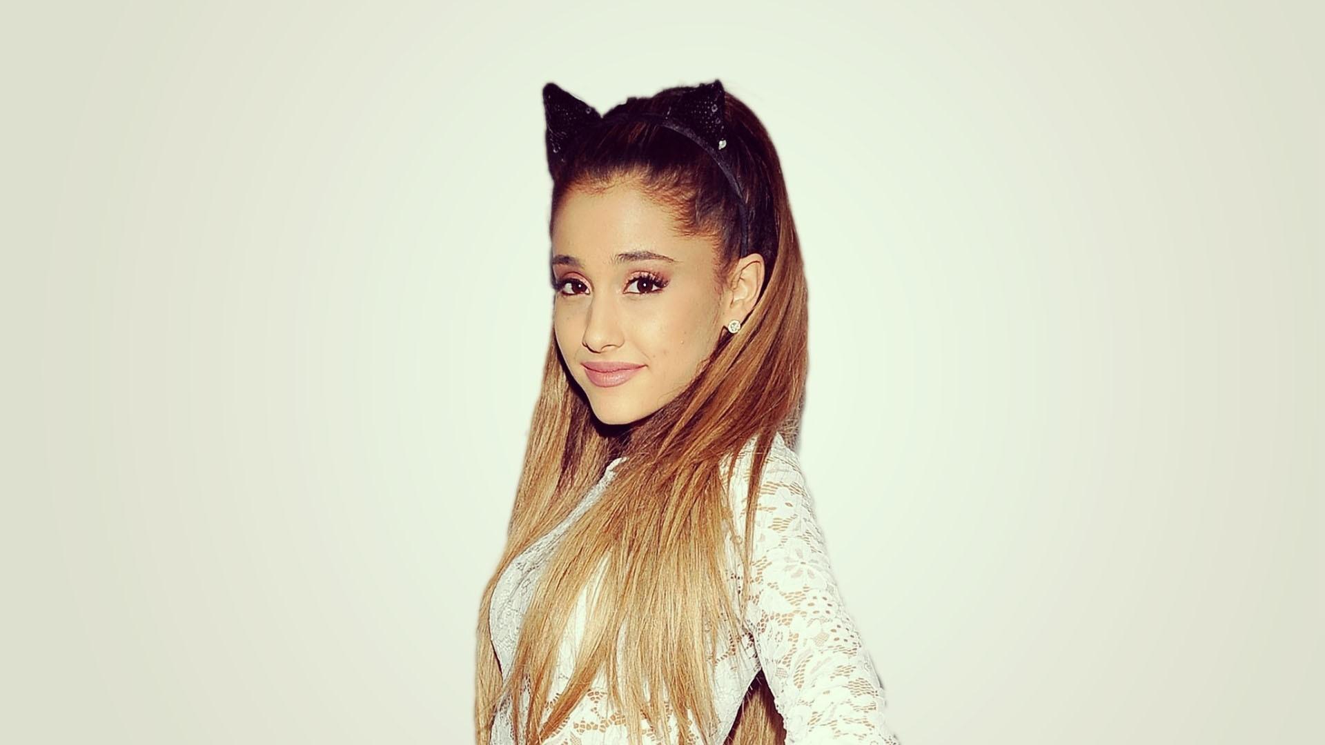 Ariana Grande Picture