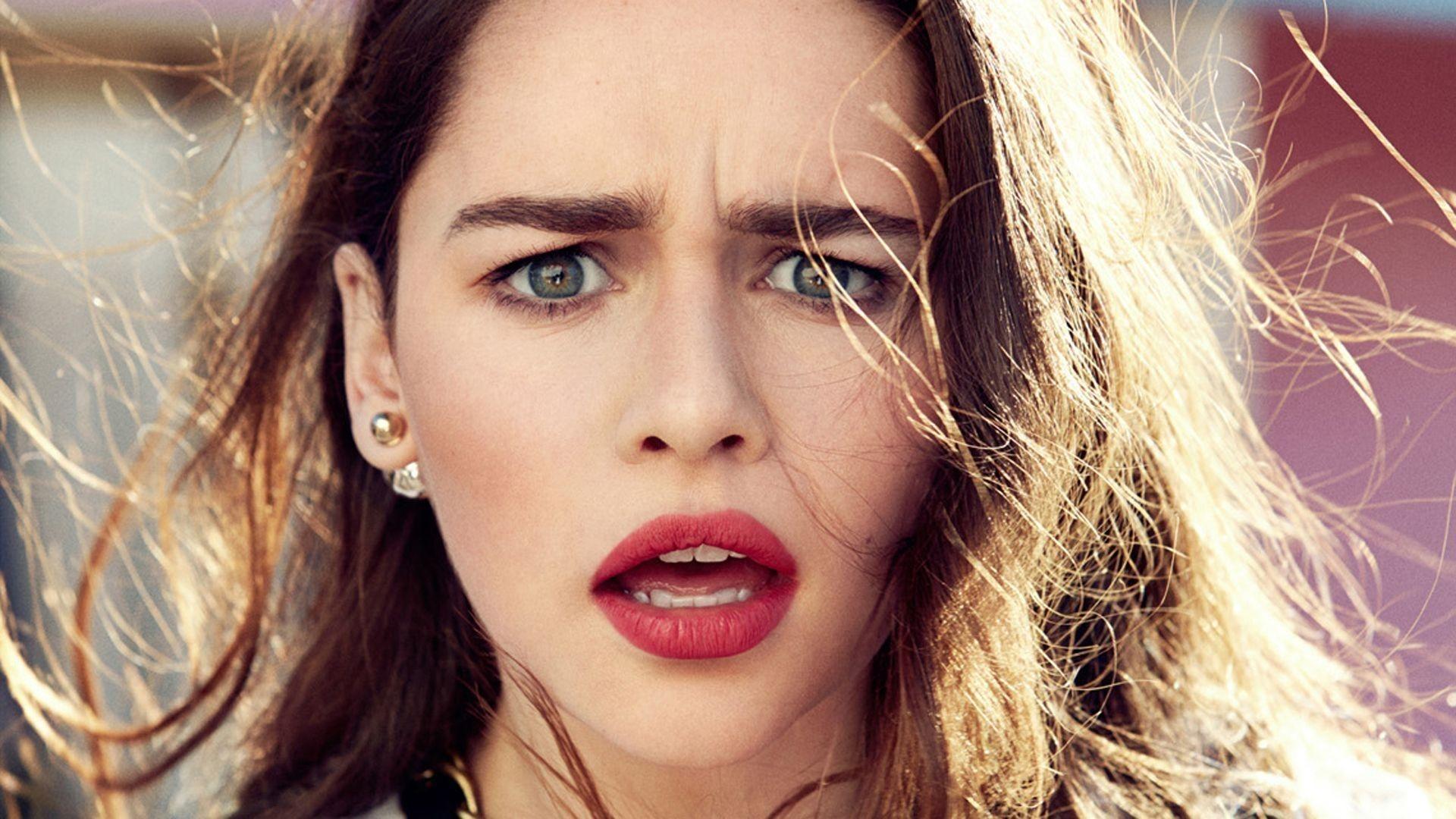 Emilia Clarke Download Wallpaper