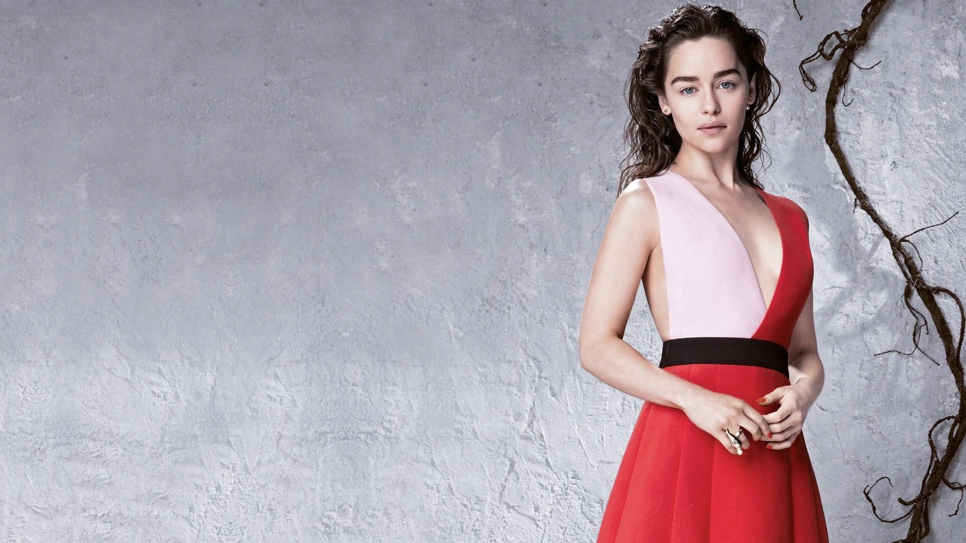Emilia Clarke Wallpaper Image