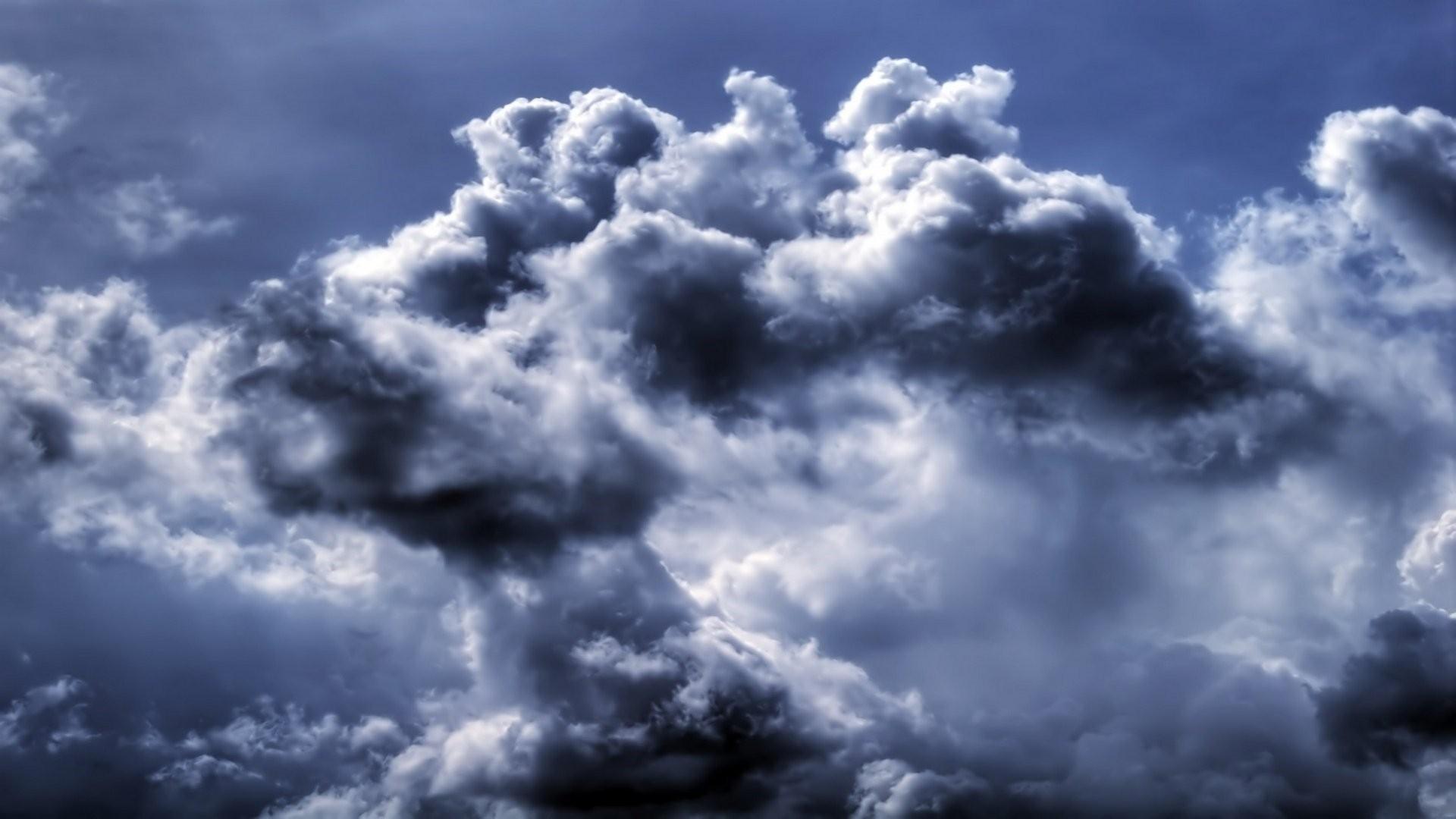 Blue Cloud Background Wallpaper