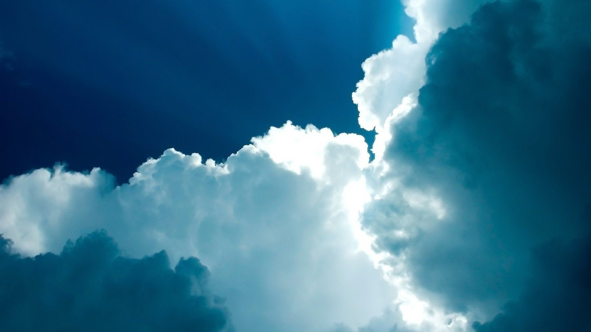 Blue Cloud Free Wallpaper and Background