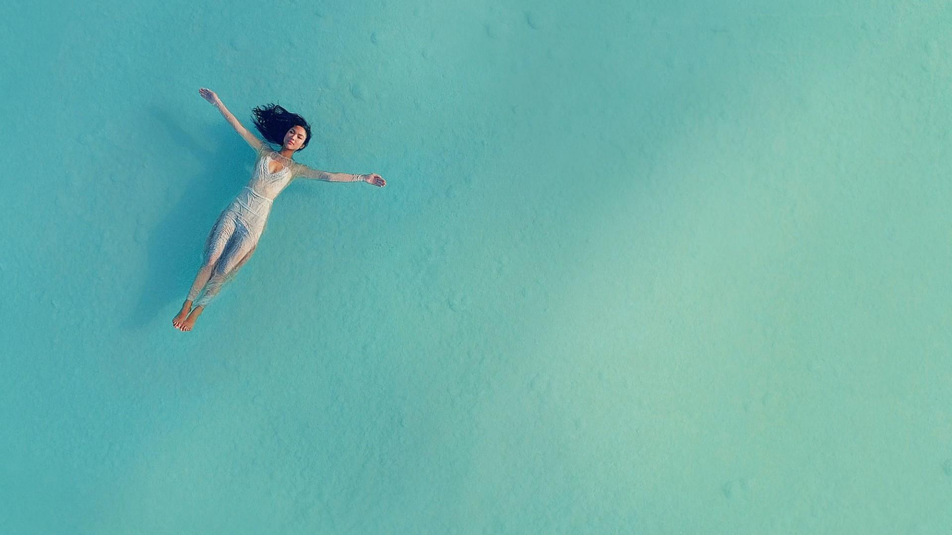 Water Minimalist wallpaper photo hd
