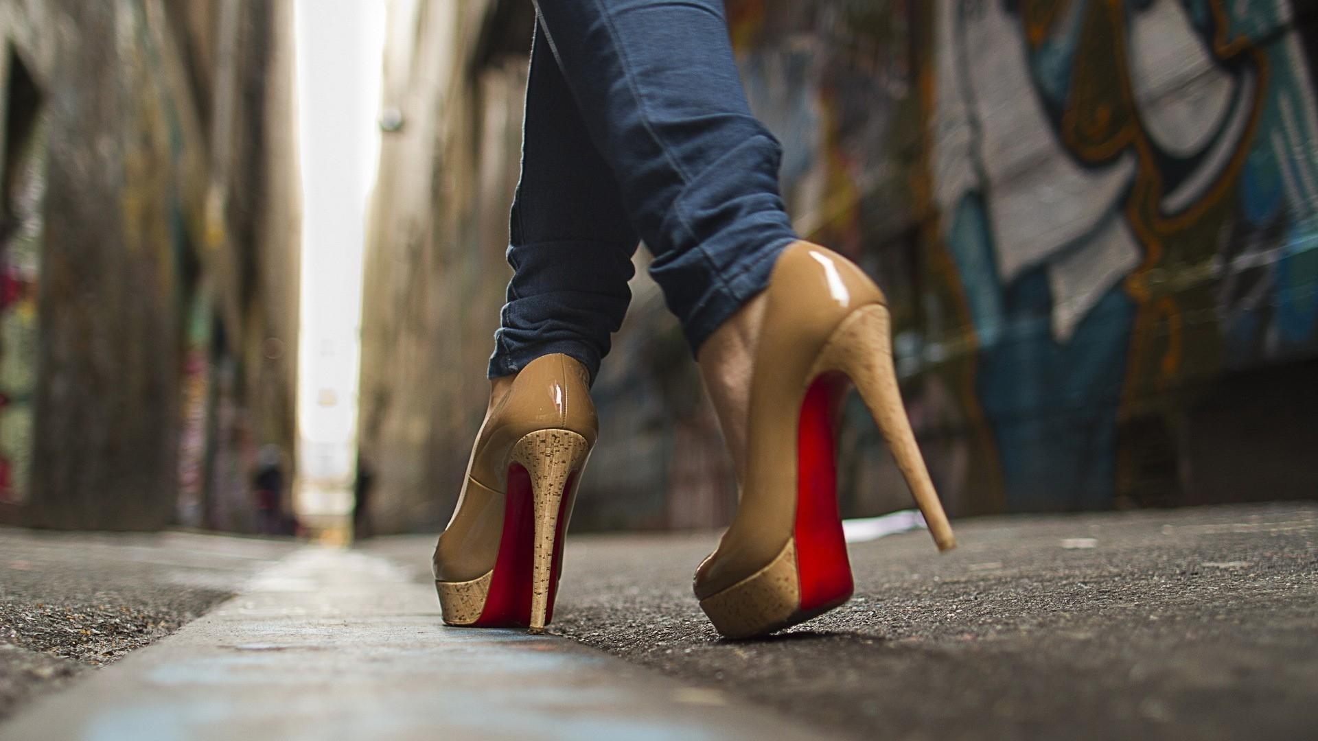 Shoes hd wallpaper download
