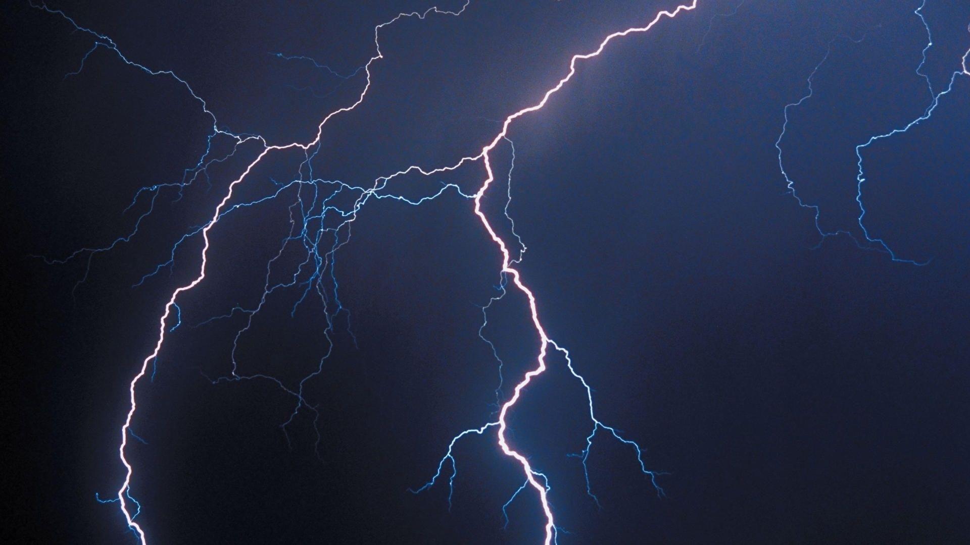 Lightning Wallpaper for pc