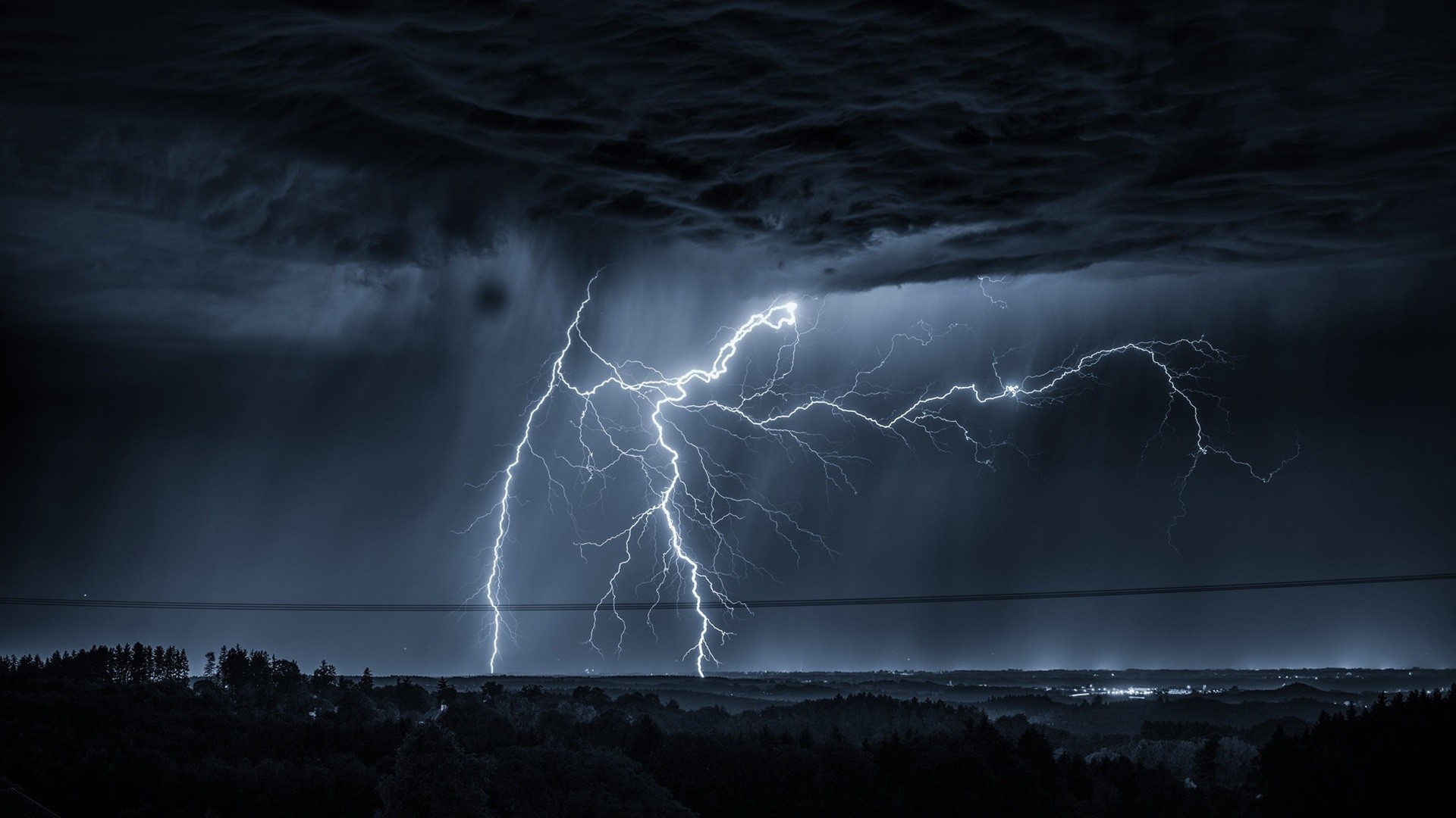 Lightning Desktop Wallpaper