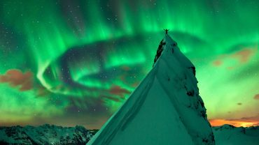 Northern Lights Free Wallpaper