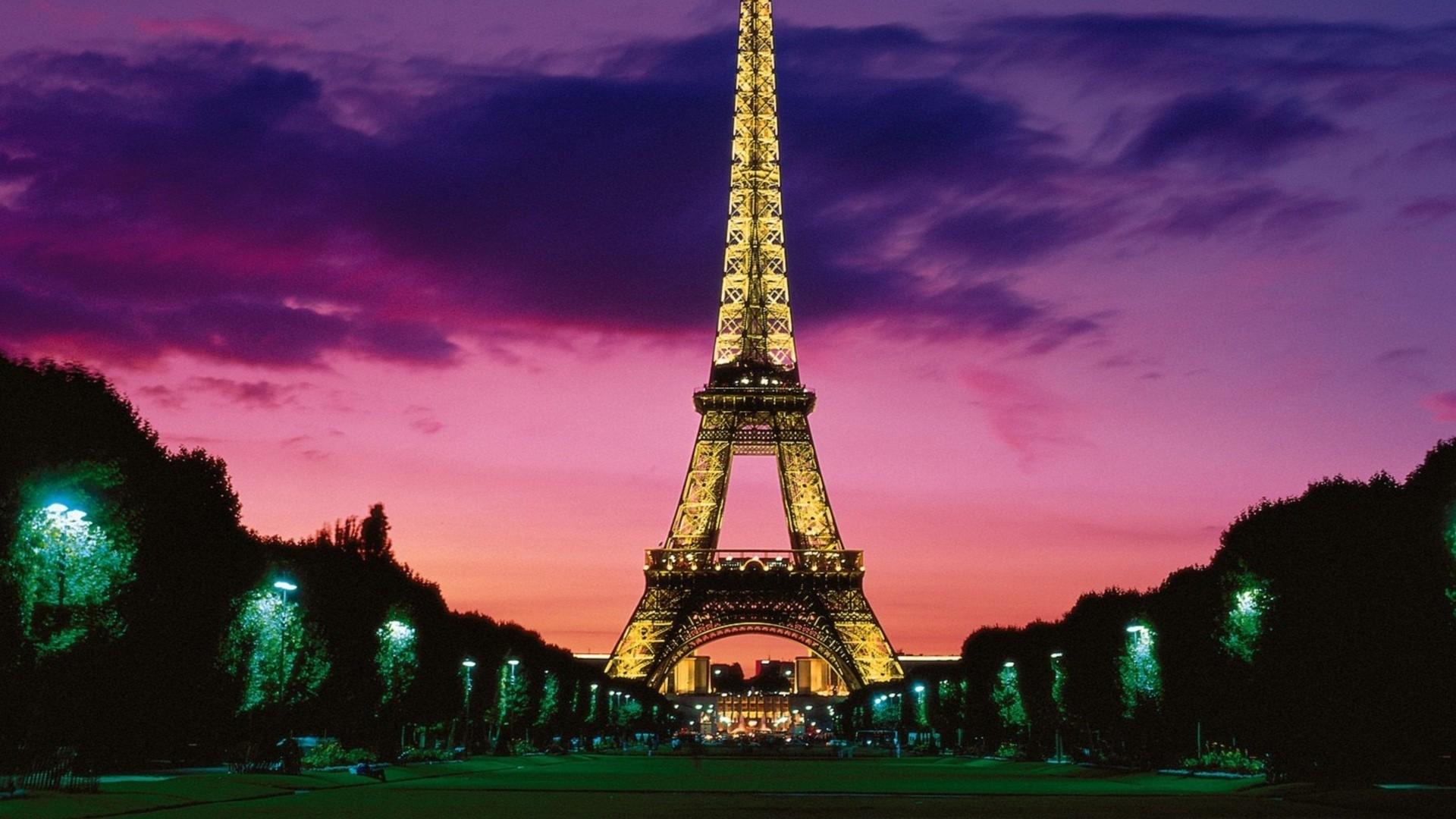 Eiffel Tower computer wallpaper