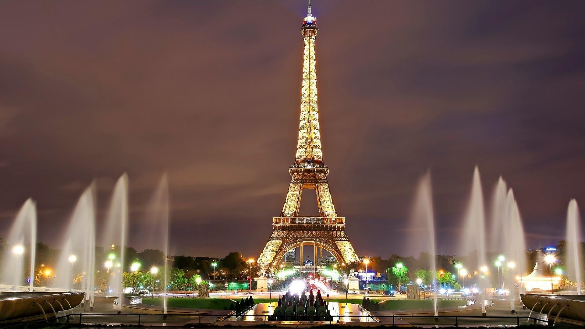 Eiffel Tower PC Wallpaper
