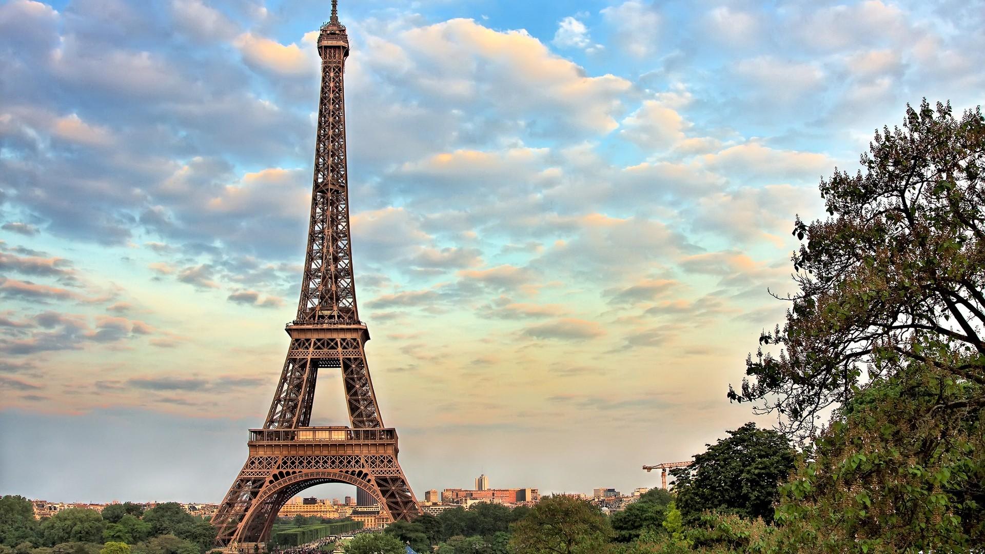 Eiffel Tower High Quality