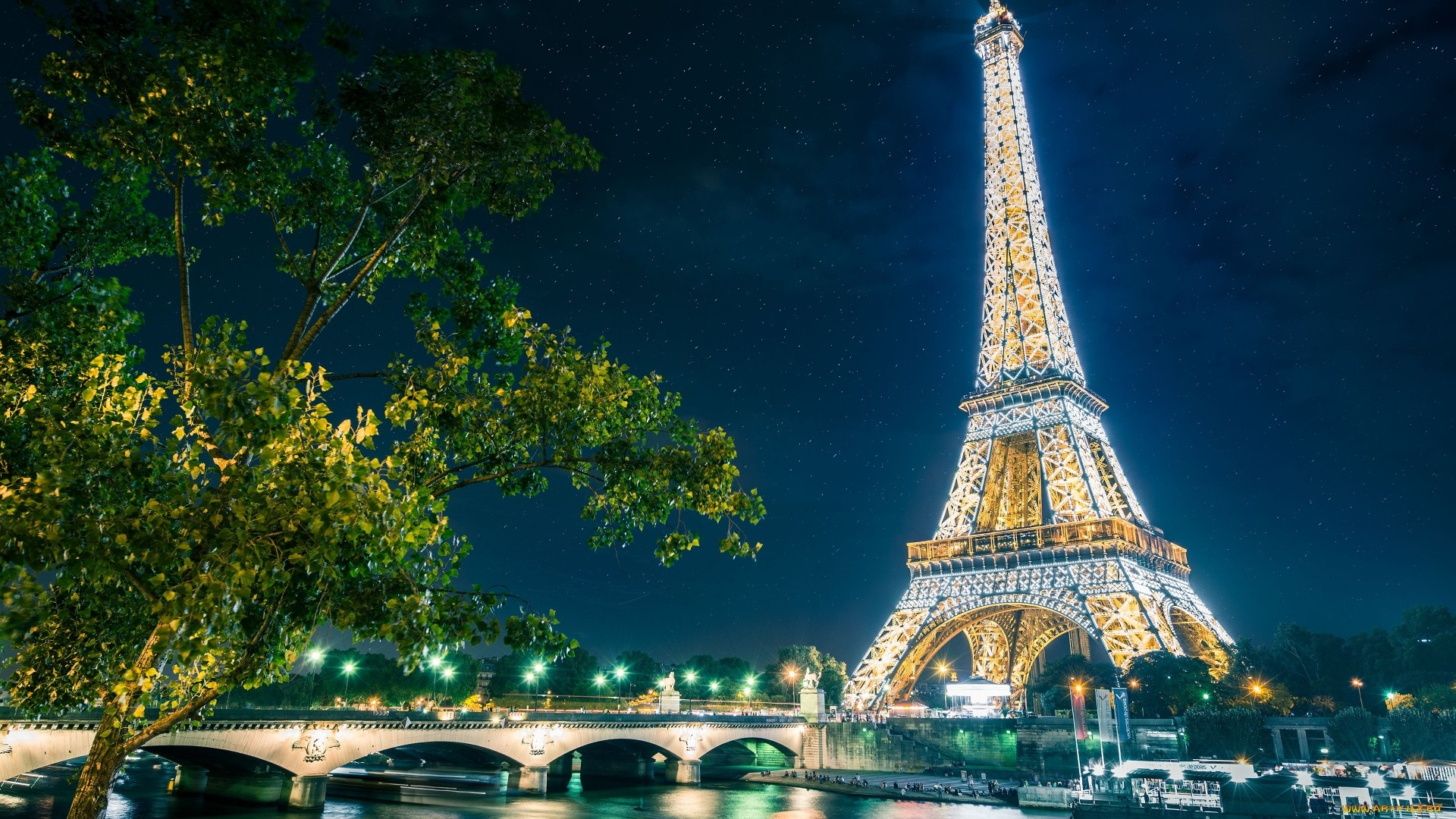 Eiffel Tower Wallpaper for pc