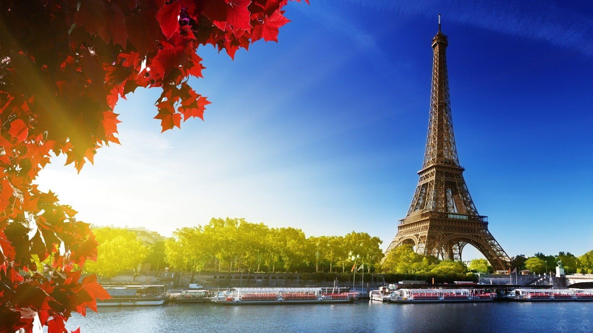 Eiffel Tower HD Wallpaper