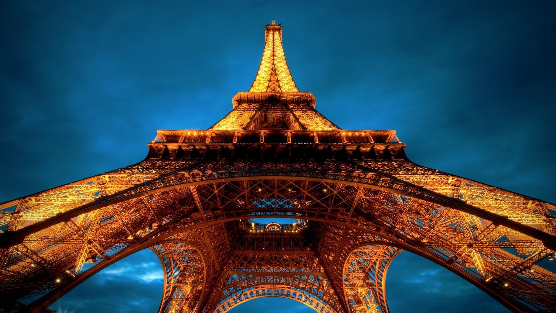 Eiffel Tower hd wallpaper download