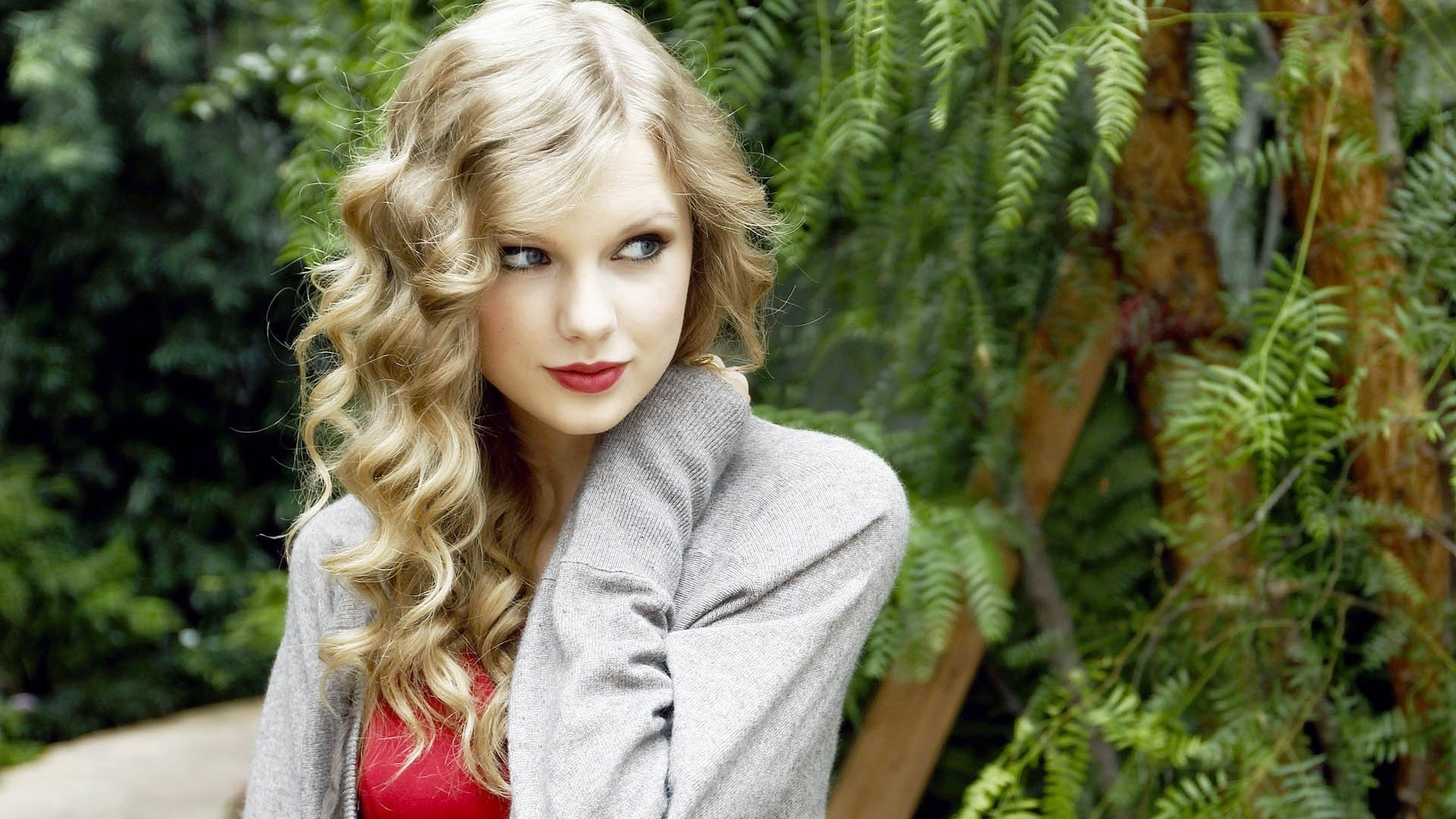 Taylor Swift Background Wallpaper