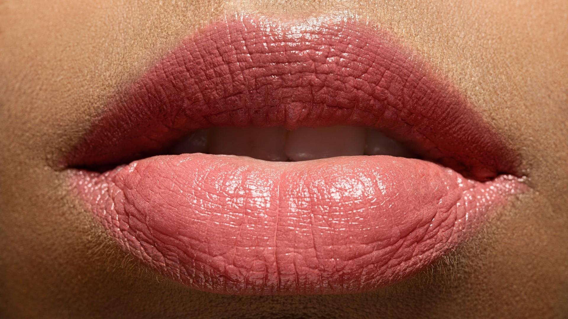 Lips HD Wallpaper