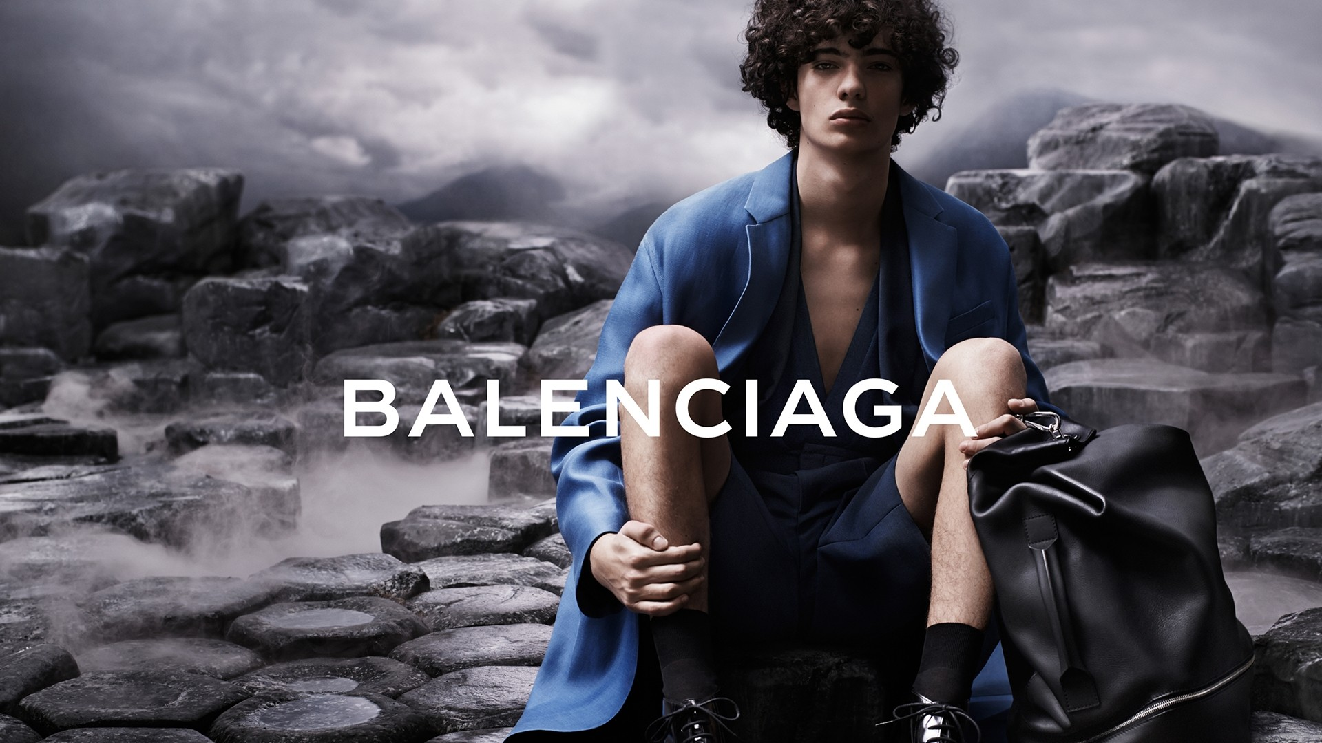 Balenciaga wallpaper
