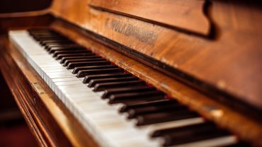 Piano Full HD Wallpaper