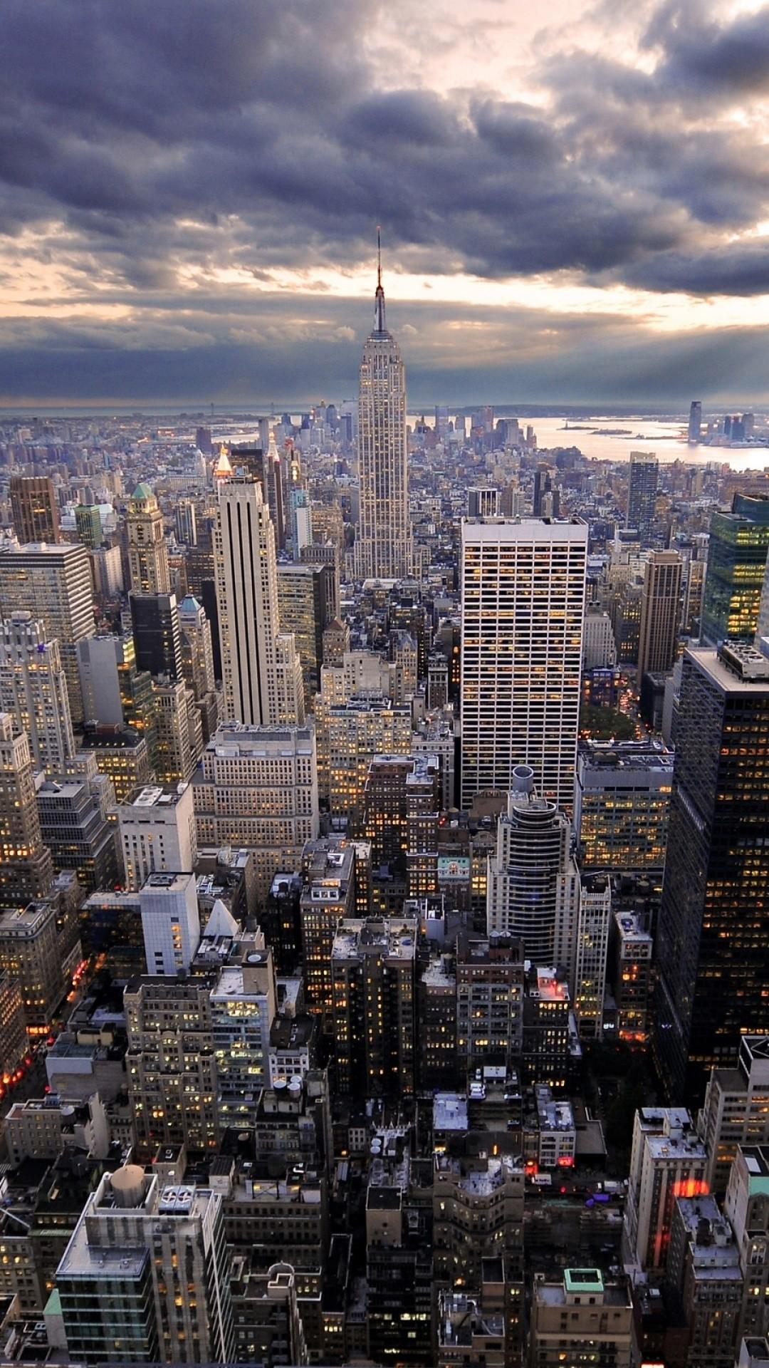 City screensaver wallpaper
