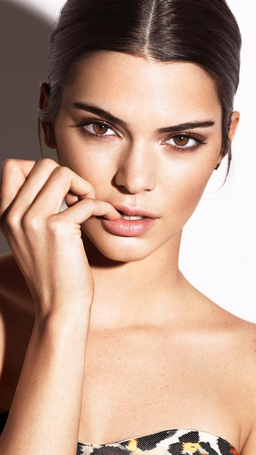 Kendall Jenner iphone 5 wallpaper