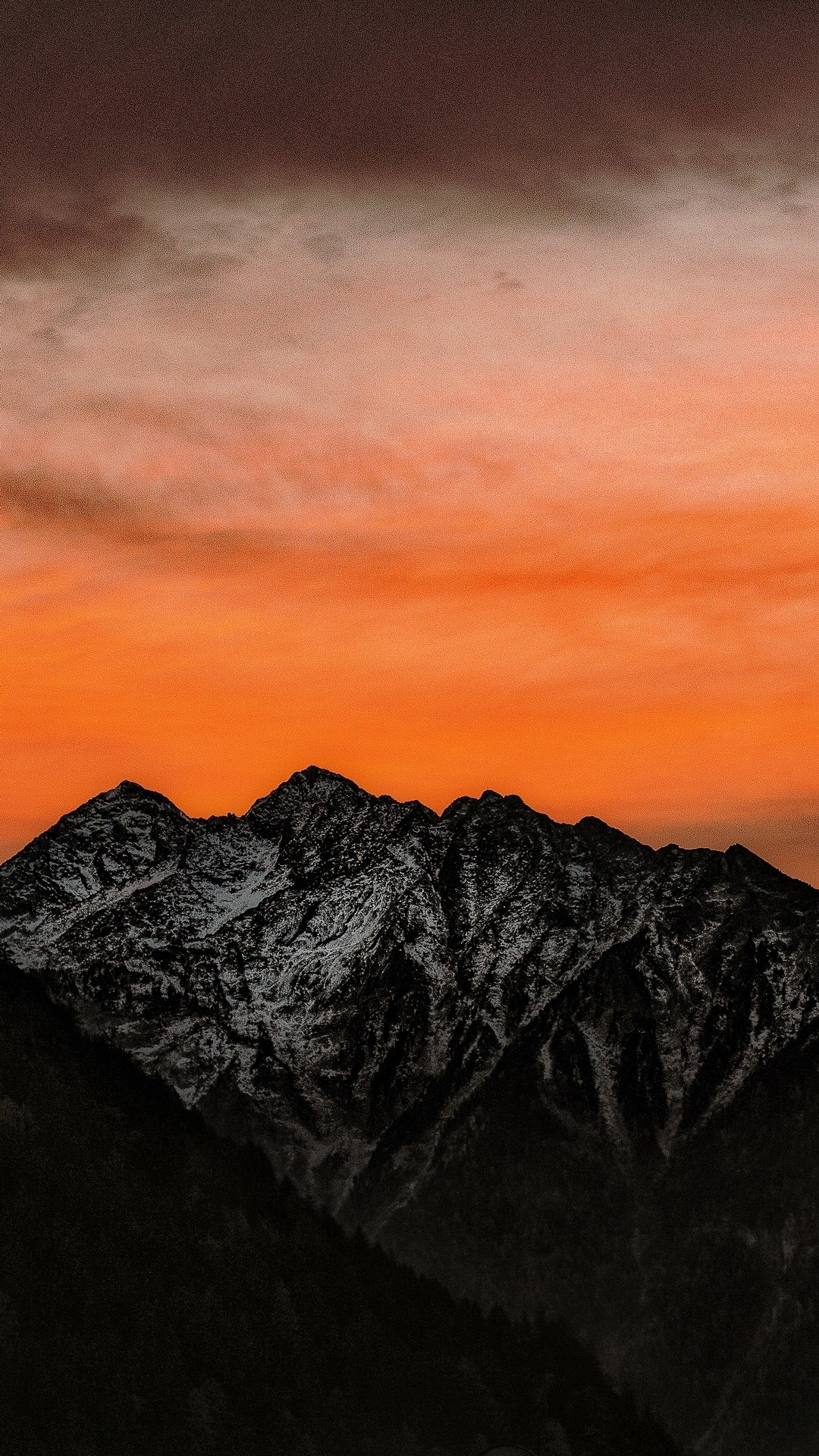 Mountain hd wallpaper for iphone