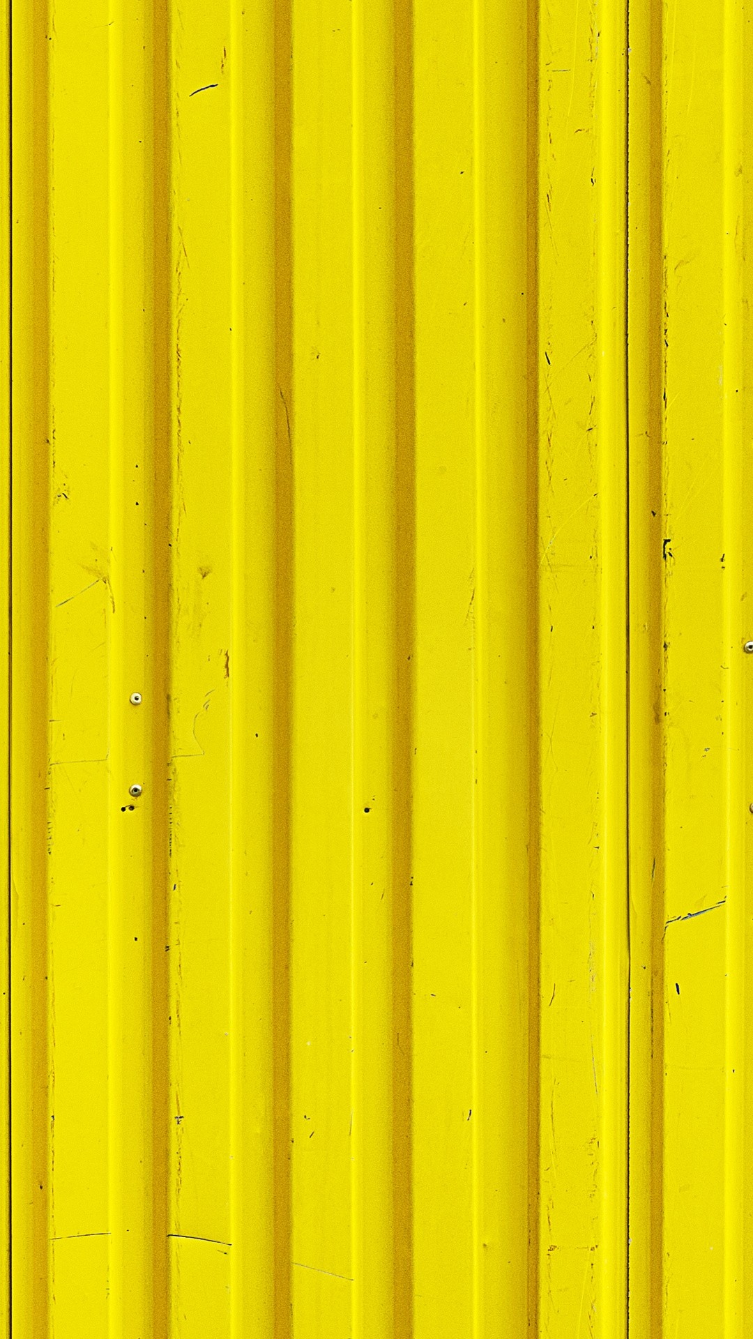 Yellow lock screen wallpaper