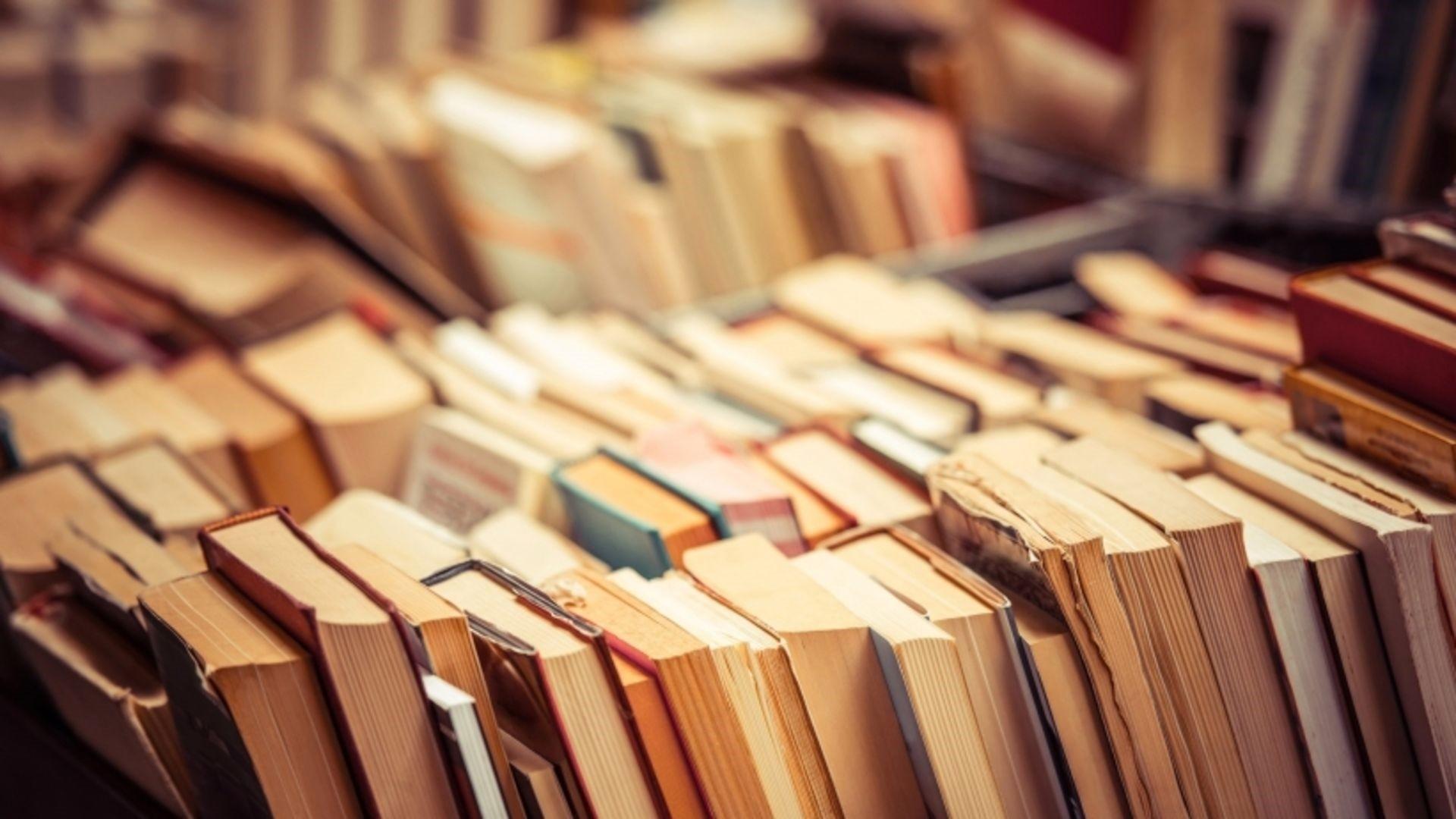 Books hd wallpaper download