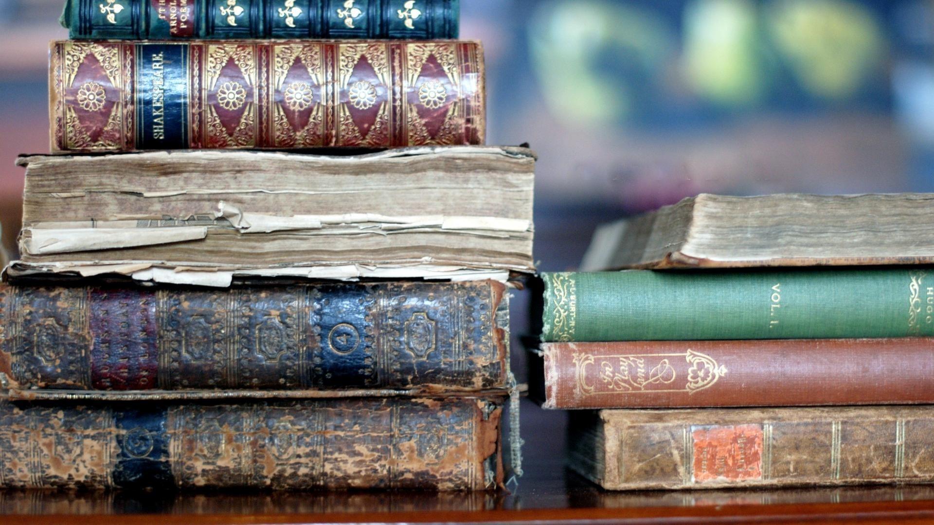 Books Free Wallpaper