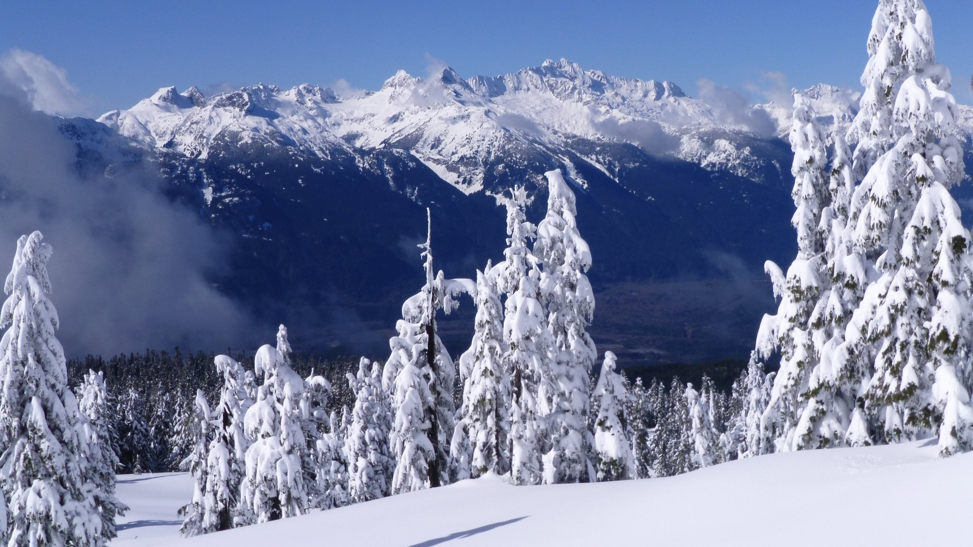 Snow Mountain Background Wallpaper