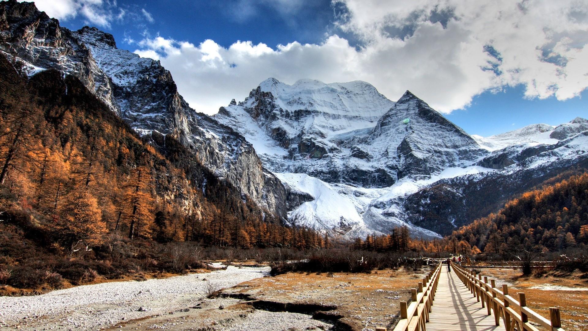 Snow Mountain Background
