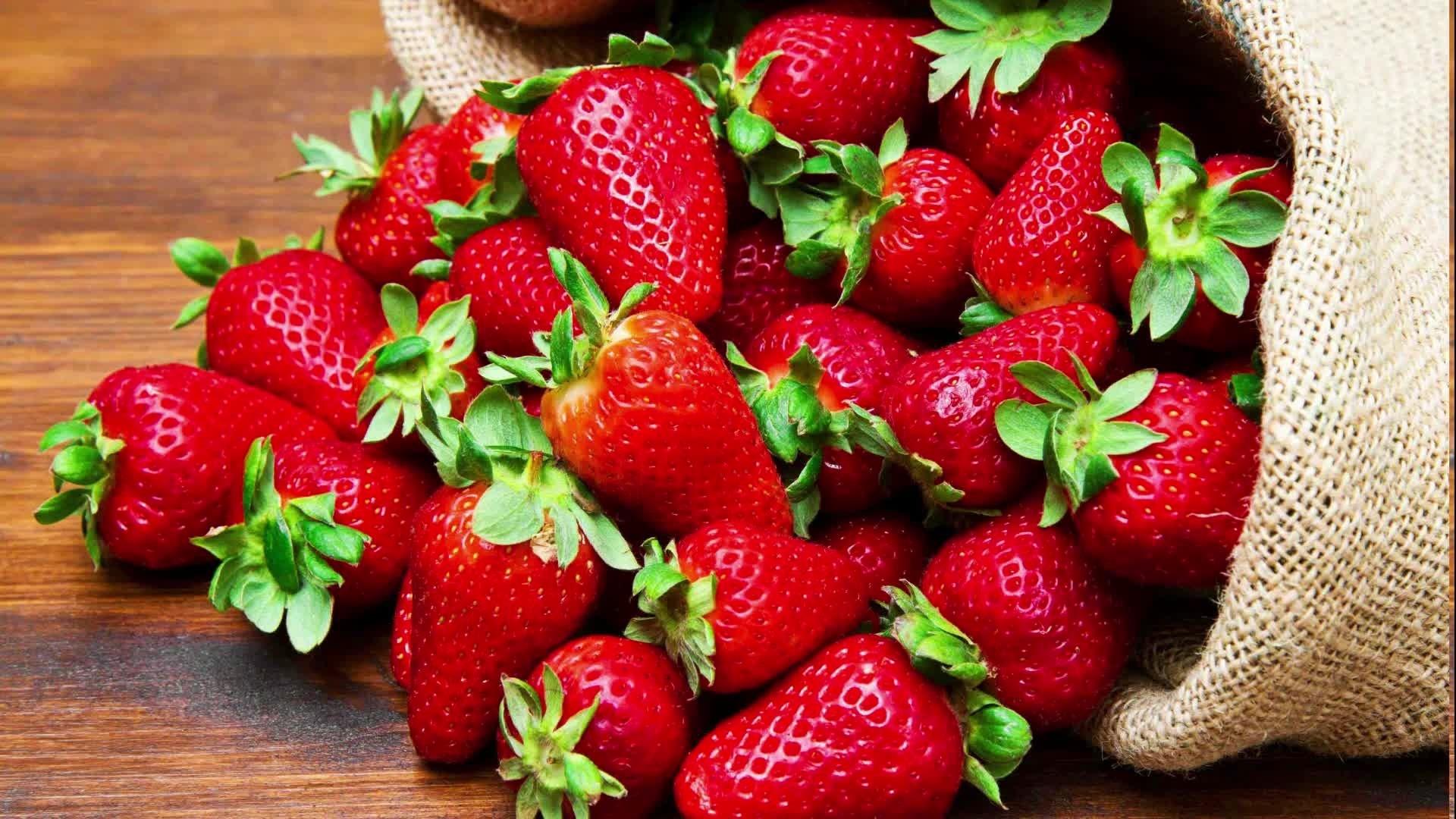 Strawberry Wallpaper