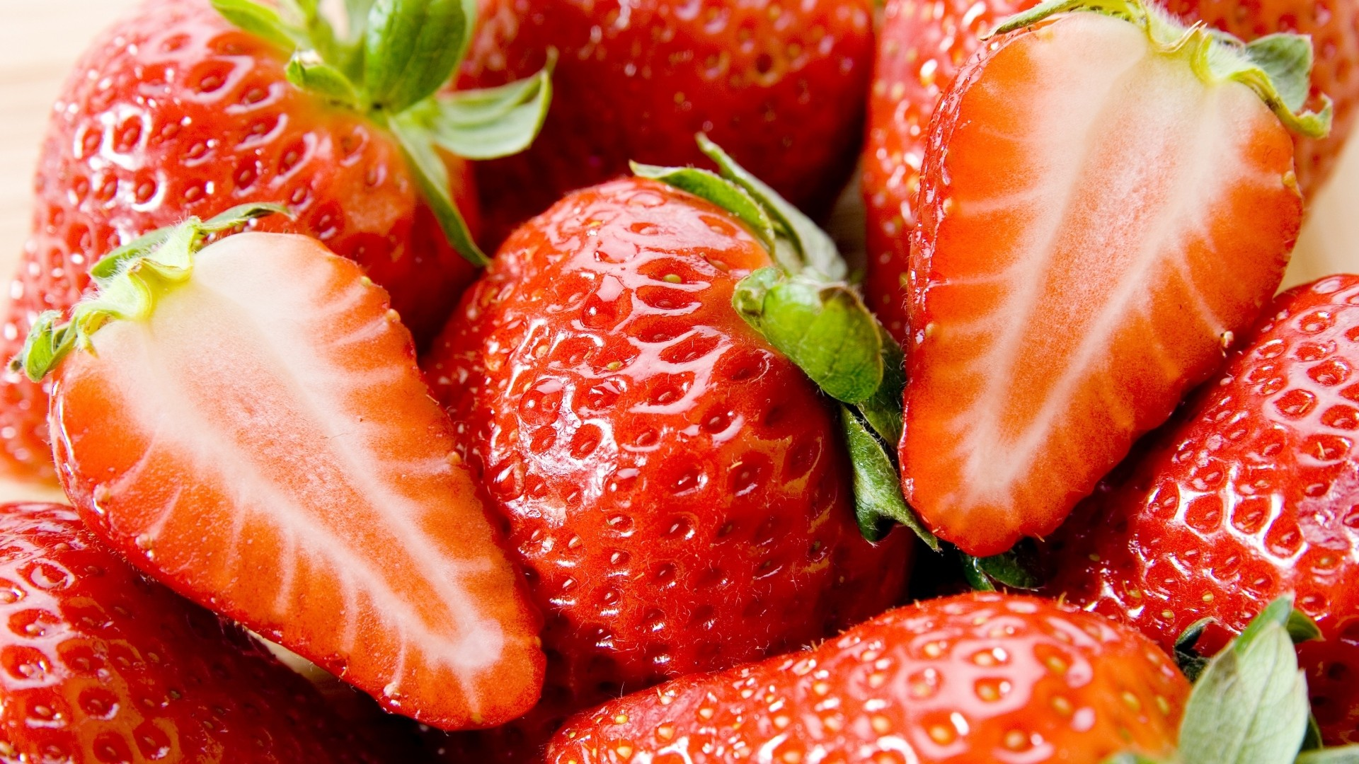 Strawberry Wallpaper for pc