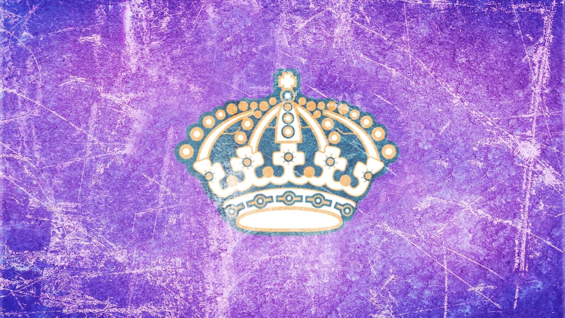 Crown Background Wallpaper