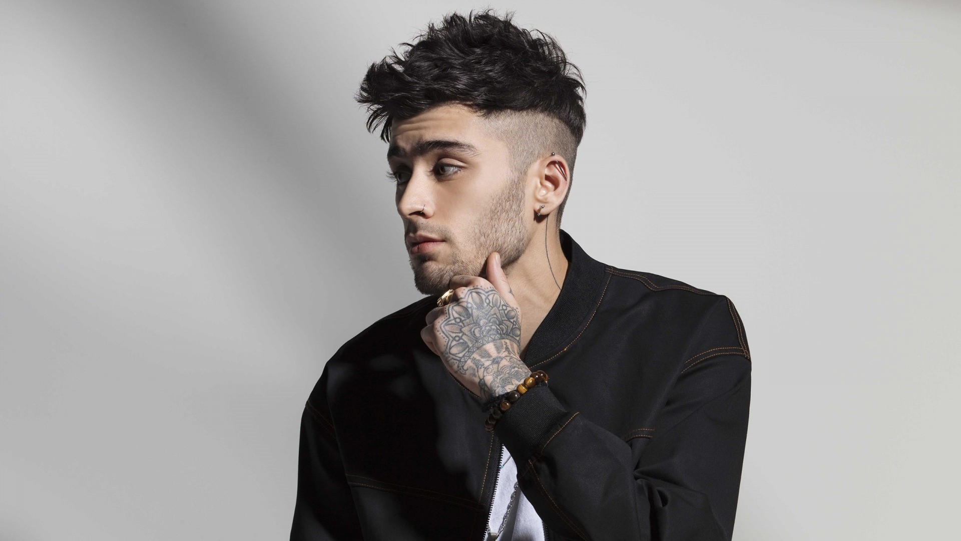 Zayn Malik Background Wallpaper