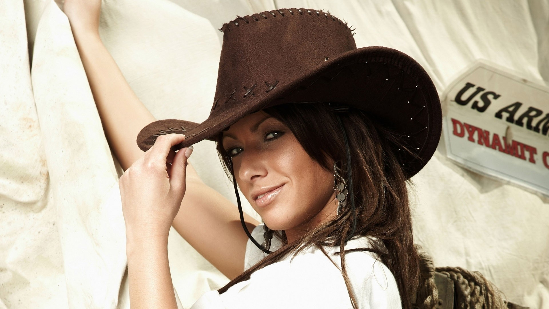 Country Girl Free Wallpaper