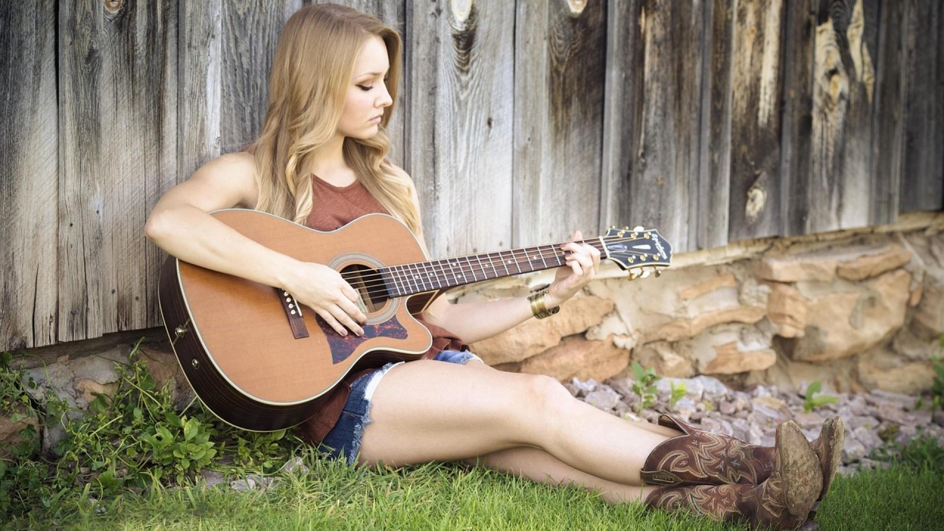 Country Girl HD Wallpaper